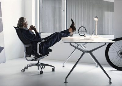 REF Wagner Carbon OfficeChair W5 OfficetableW-Table